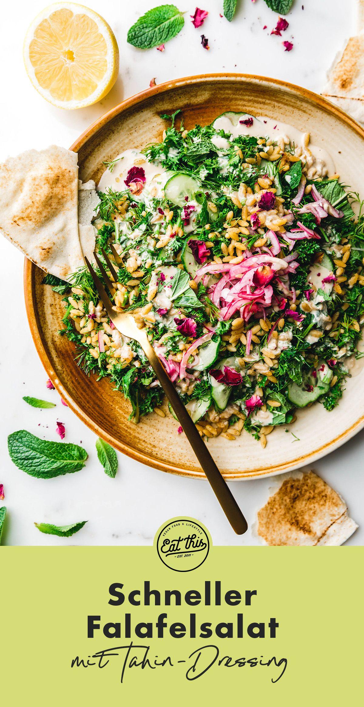 Schneller Falafelsalat Mit Tahin Dressing Eat This Vegane Rezepte Rezept In 2020 Lebensmittel Essen Vegane Salatsaucen Getrocknete Kichererbsen