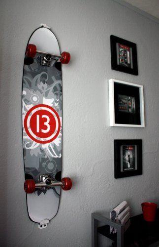 Skateboard Wall Mount, Display Rack Hanger (Burton White) Hang Tight  Http://www.amazon.com/dp/B00FZ24BQ2/refu003dcm_sw_r_pi_dp_oVQnub128Y9K8