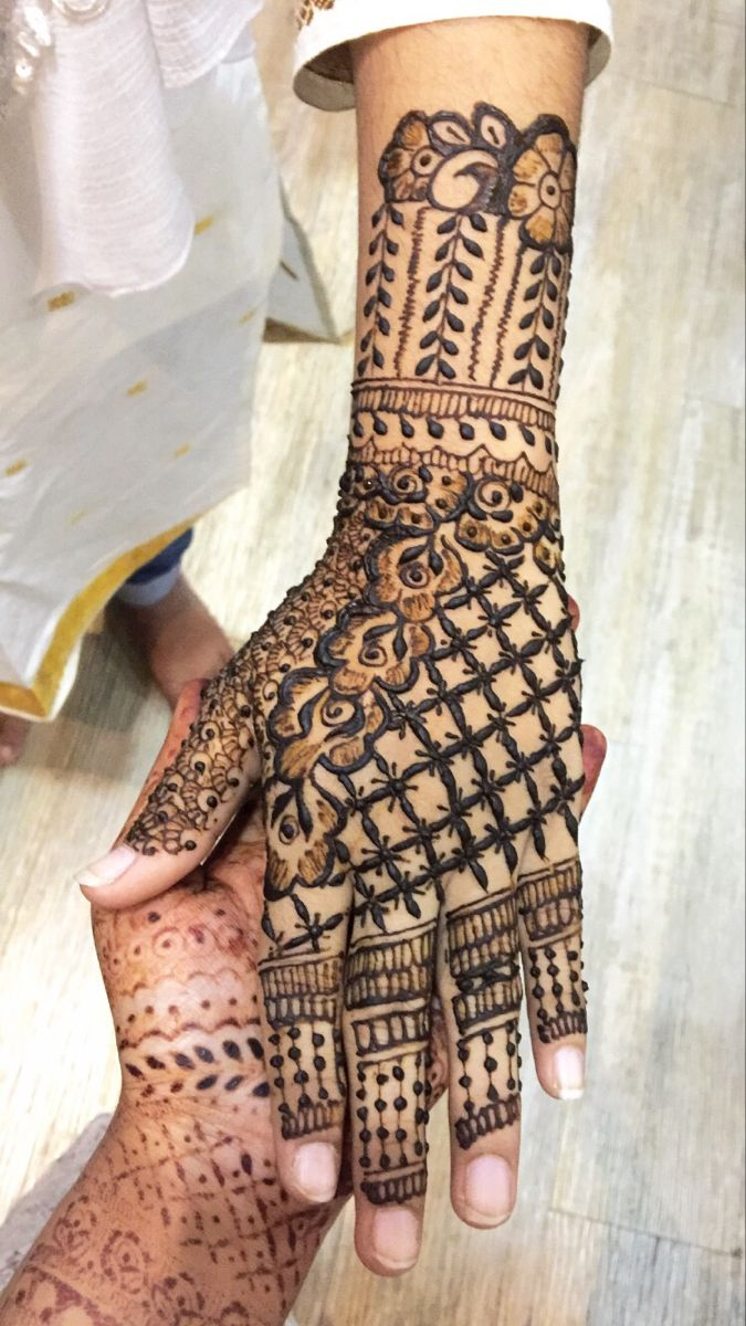 #henna #diy #mehenditattoo #mehendidesign #bridalmehendi #weddingideas #weddingdress #party #weddingdecor #bridal #bridalshowerideas #bridesmaids