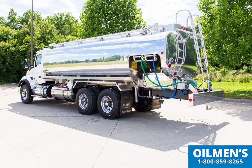 Fuel Truck Stock 17590 Fuel Trucks Tank Trucks Oilmens Fuel Truck Trucks Truck Tank