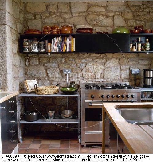 Cuisine avec mur en pierre interieur inspiration pierre mur en pierre decoration escalier - Cuisine mur en pierre ...