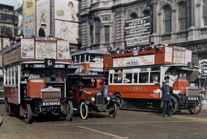 A Rare Look Into 1920s England Photographed In Color London Trafalgar London History
