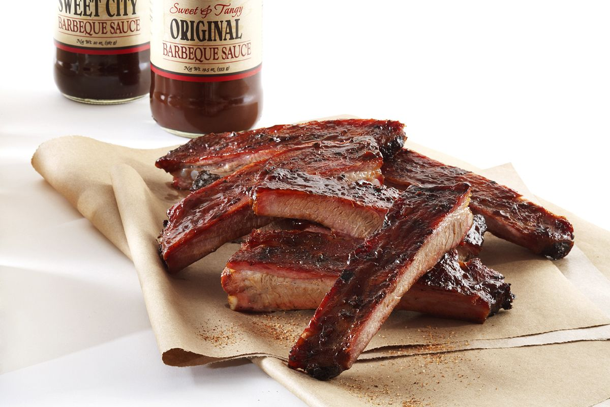 A Melting Pot Of America S Regional Styles City Barbeque Headquartered In Dublin Ohio Sauces Are Tomato Based But True To Barbecue Restaurant Bbq Catering Yummy Food