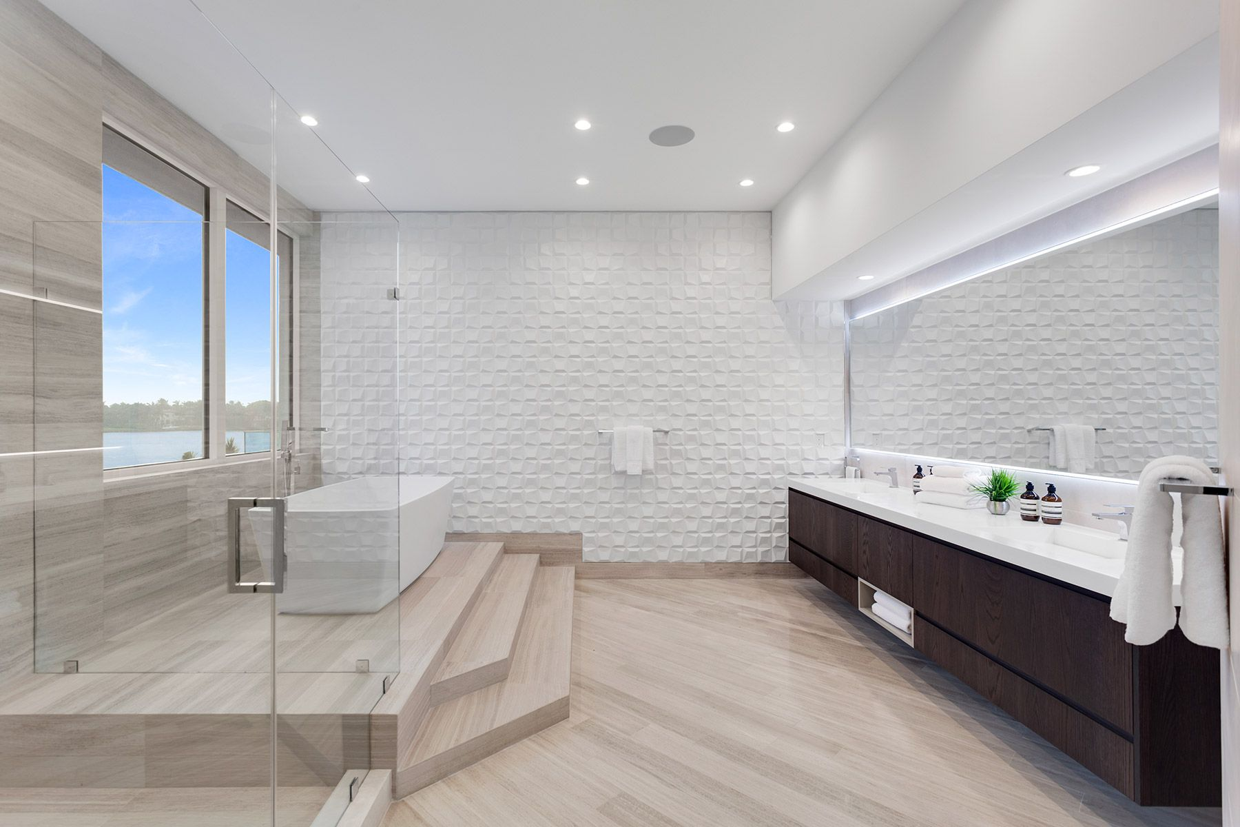 Radiateur Salle De Bain Mixte ~ extraordinary spec home in coral gables with floating master