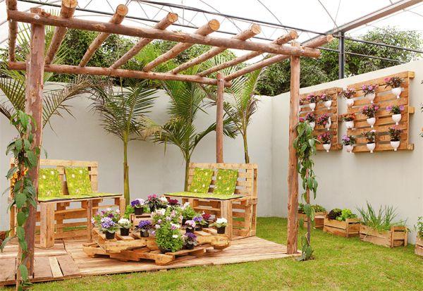 Pergolas jardines rusticos ideas con palet diy garden for Jardines disenos rusticos