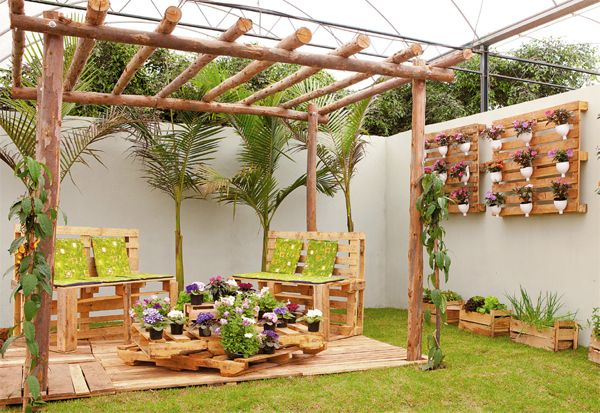 Pergolas jardines rusticos ideas con palet pinterest for Jardines rusticos
