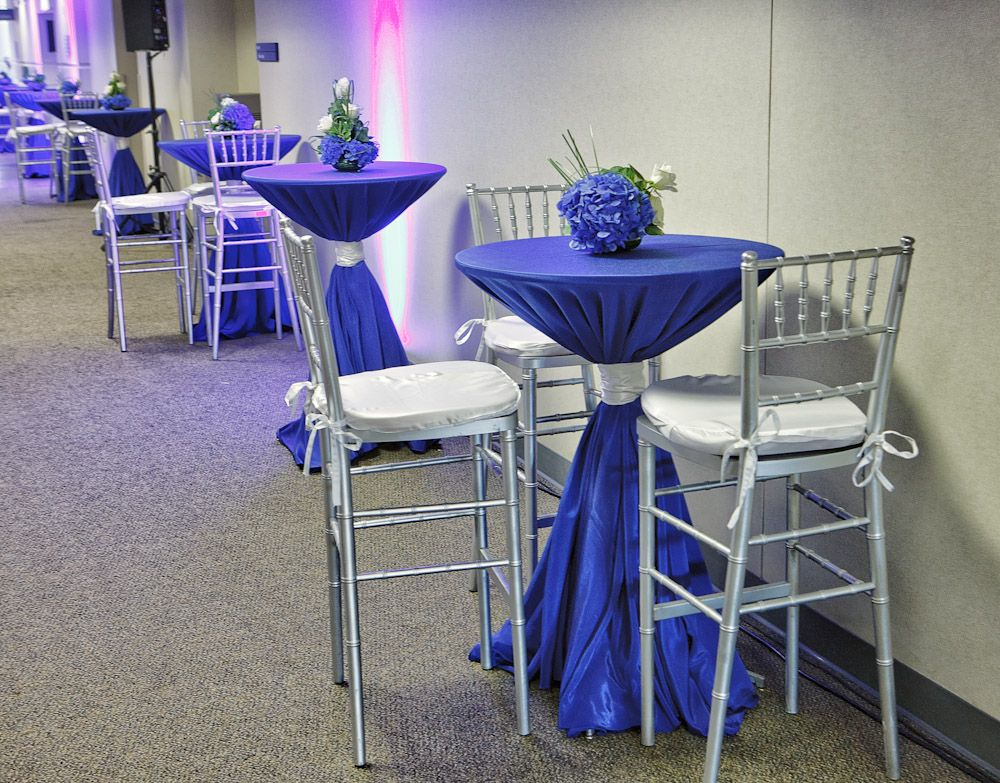 Best Cocktail Table Set Up With Blue And Silver Linen 640 x 480