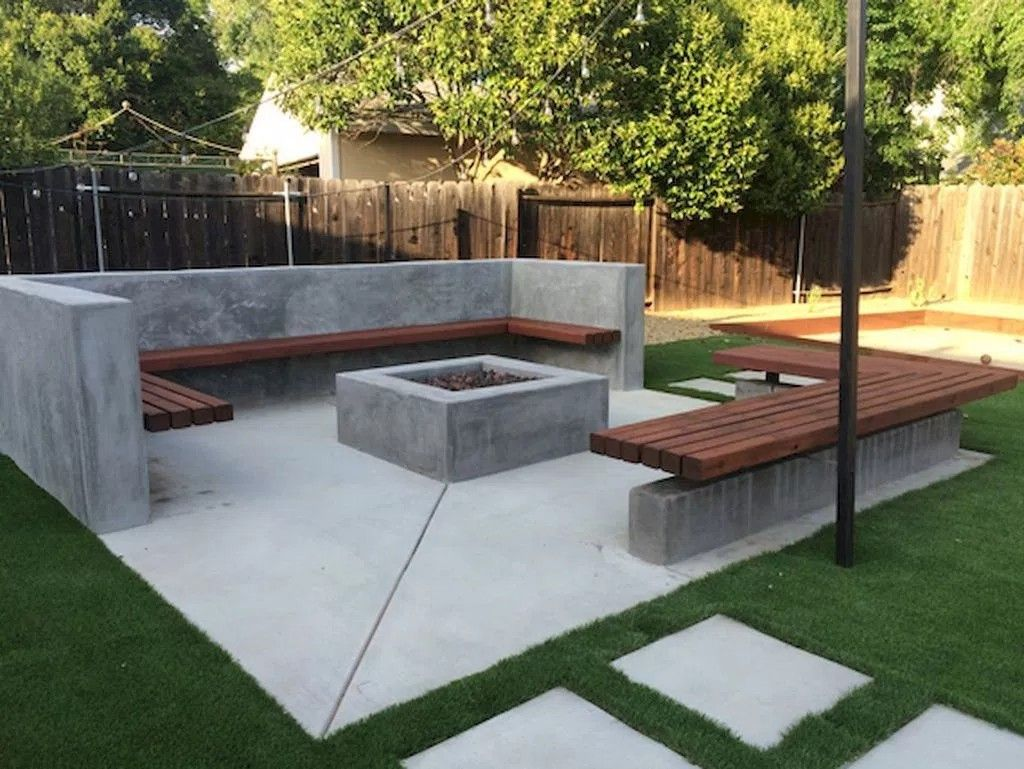 Love The Simplicity Of Creating An L Shaped Bench From Cinder Blocks And 4x4 S Large Backyard Landscaping Backyard Seating Diy Outdoor Fireplace