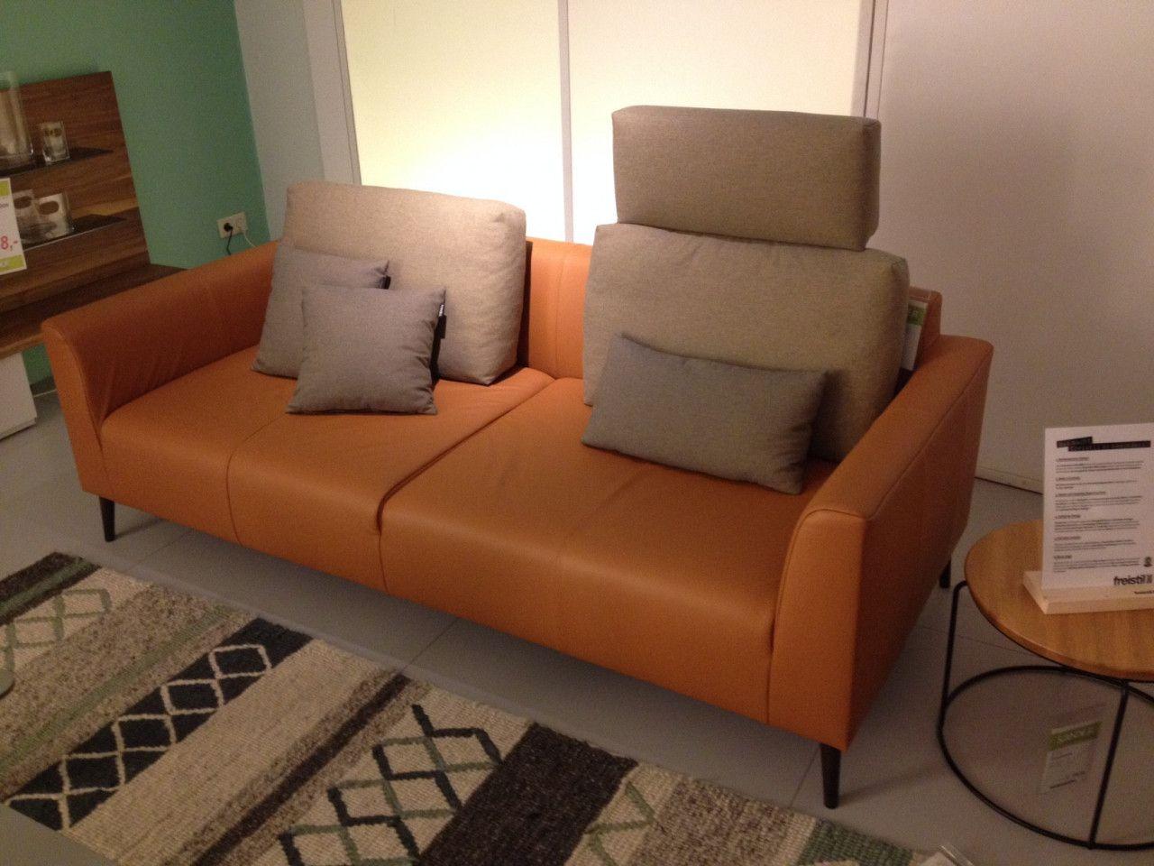 Sofa 162 Aus Der Freistil Kollektion Von Rolfbenz Couch Leder Braun Fuss Holz Eiche Designermobel Innenarchitk Sofa Bequeme Sessel Gemutliches Sofa