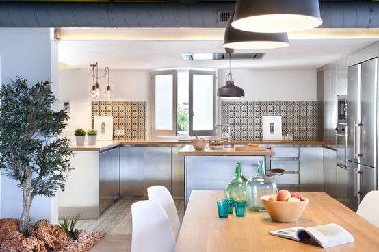 Espetacular habitação em Valência! Espreite, vai ficar impressionado! #homify #valencia #decoração https://www.homify.pt/projetos/79060/vivienda-en-benicassim-valencia