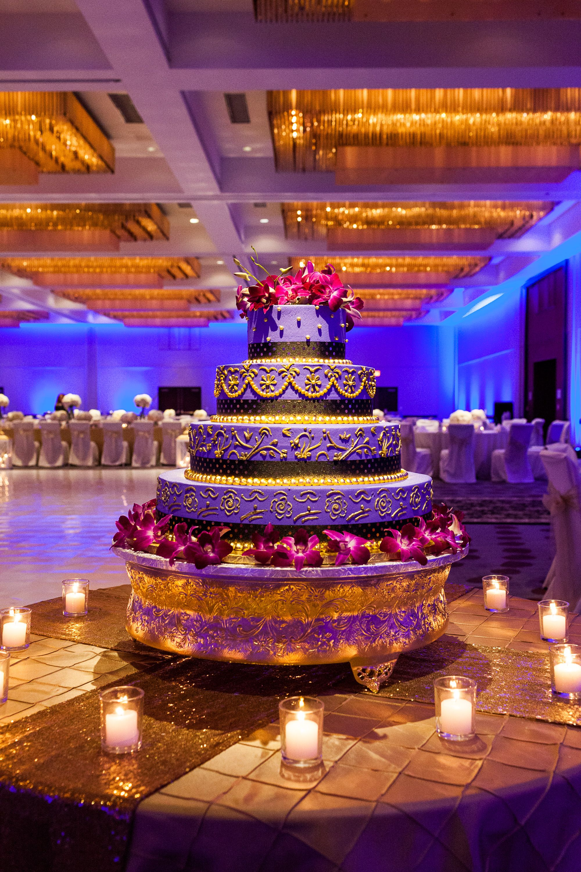 Wedding Cake Cincinnati Exotic Hospitality Weddings Hyatt Regency Downtown Venues Reception