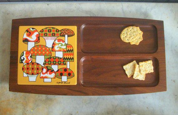 Vintage Mushroom Tile Wooden Hand-Turned Cheese /& Cracker Tray