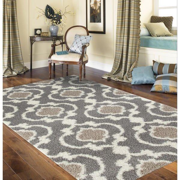 Cozy Moroccan Trellis Gray/Cream Indoor Shag Area Rug (5\u00273 x 7\u00273