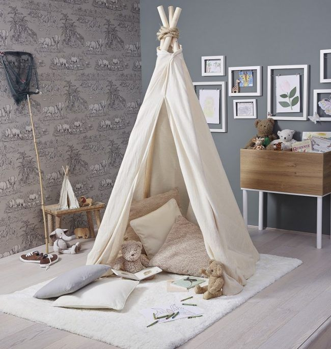 Tipi Zelt kinder-teppich-bettlaken-plüschtiere-kinderzimmer-ideen