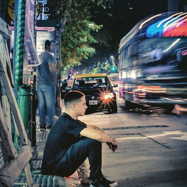 Buenos aires City  #ciudad #buenosaires #noche #night #streetphotography #street #inspiracion #lovephoto #calles #cityphotography #citiscape #longexposure #moment #nikon📷 #50mm18 #argentina🇦🇷