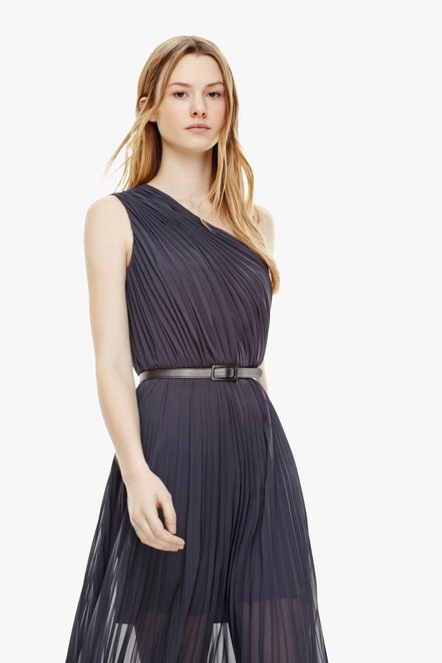 Maxi vestido plisado con transparencias