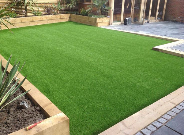 Fox Landscape Gardening Offers Artificial Grass Fencing