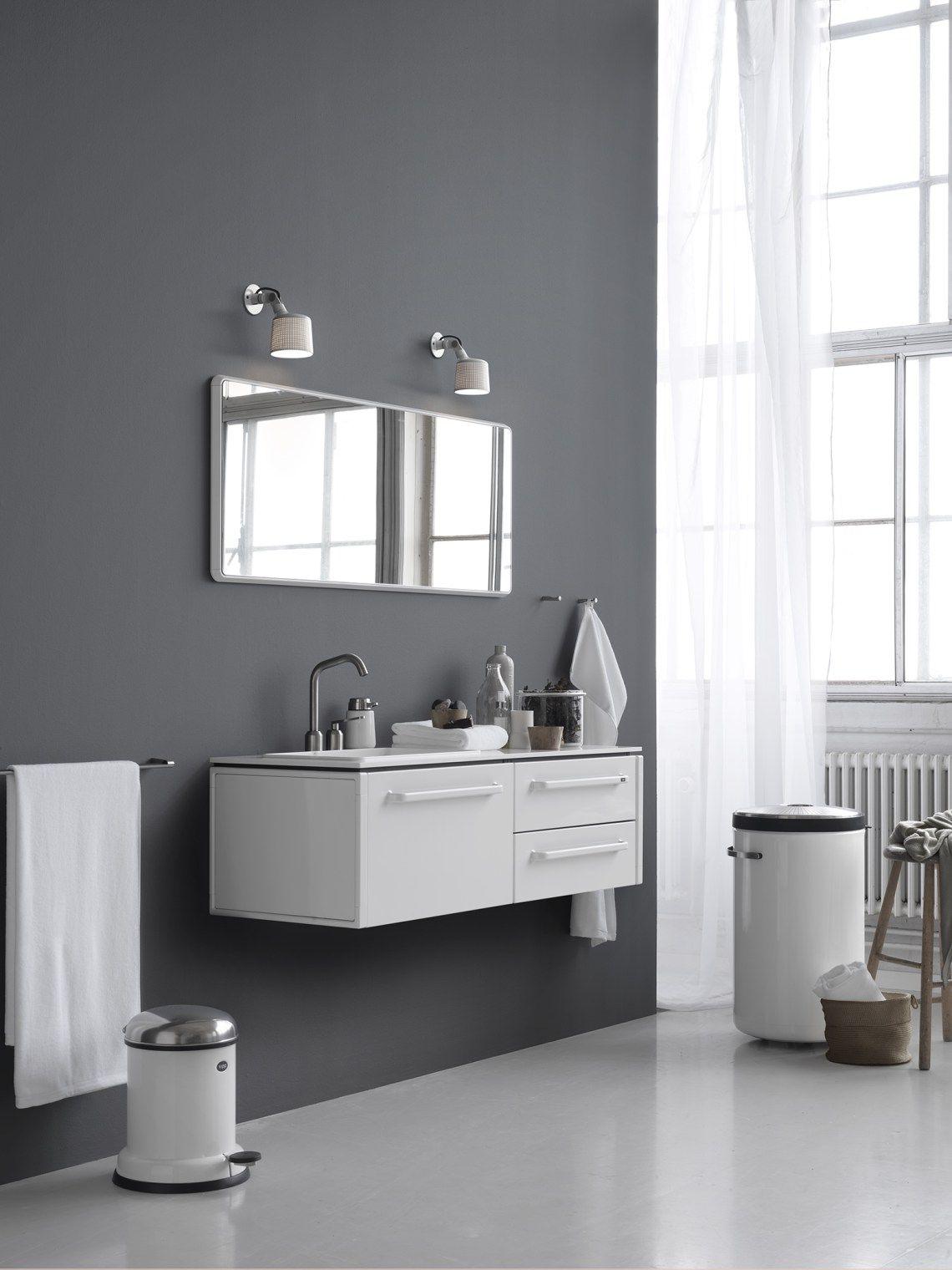 Vipp White Wall Spot Bathroom Inspiration Simple Bathroom Bathroom Interior