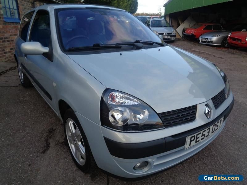 2003 renault clio 1 2 dynam billabong 16v silver renault cliodynambillabong16v forsale. Black Bedroom Furniture Sets. Home Design Ideas