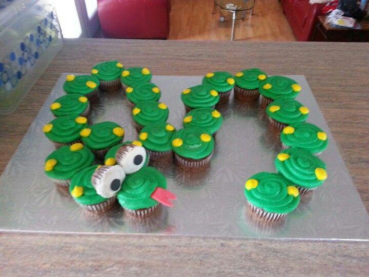 snake cake this looks like the easiesti need the