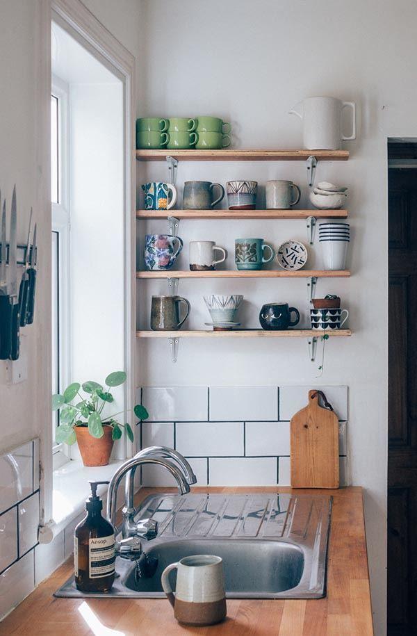 Dekoratif Mutfak Rafları Artık Ev Dekorasyonu Yapılırken