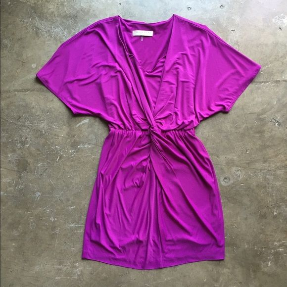 Trina Turk Calyssa Dress Never worn, could fit up to size 4/6 due to the amount of stretch in the fabric Trina Turk Dresses Mini