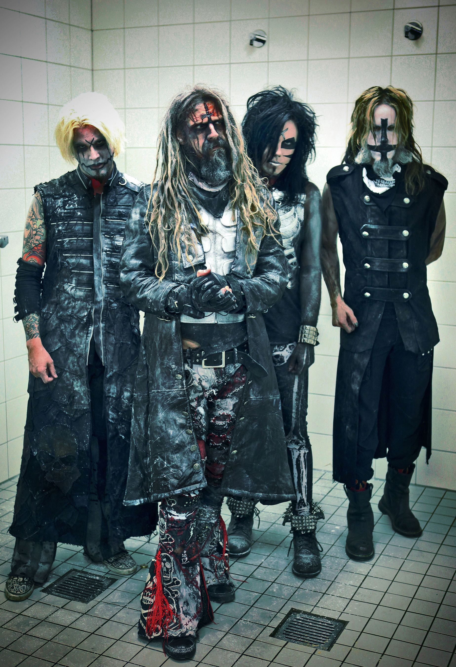 rob zombie and band including john 5 john is in the band too - Rob Zombie Halloween Music