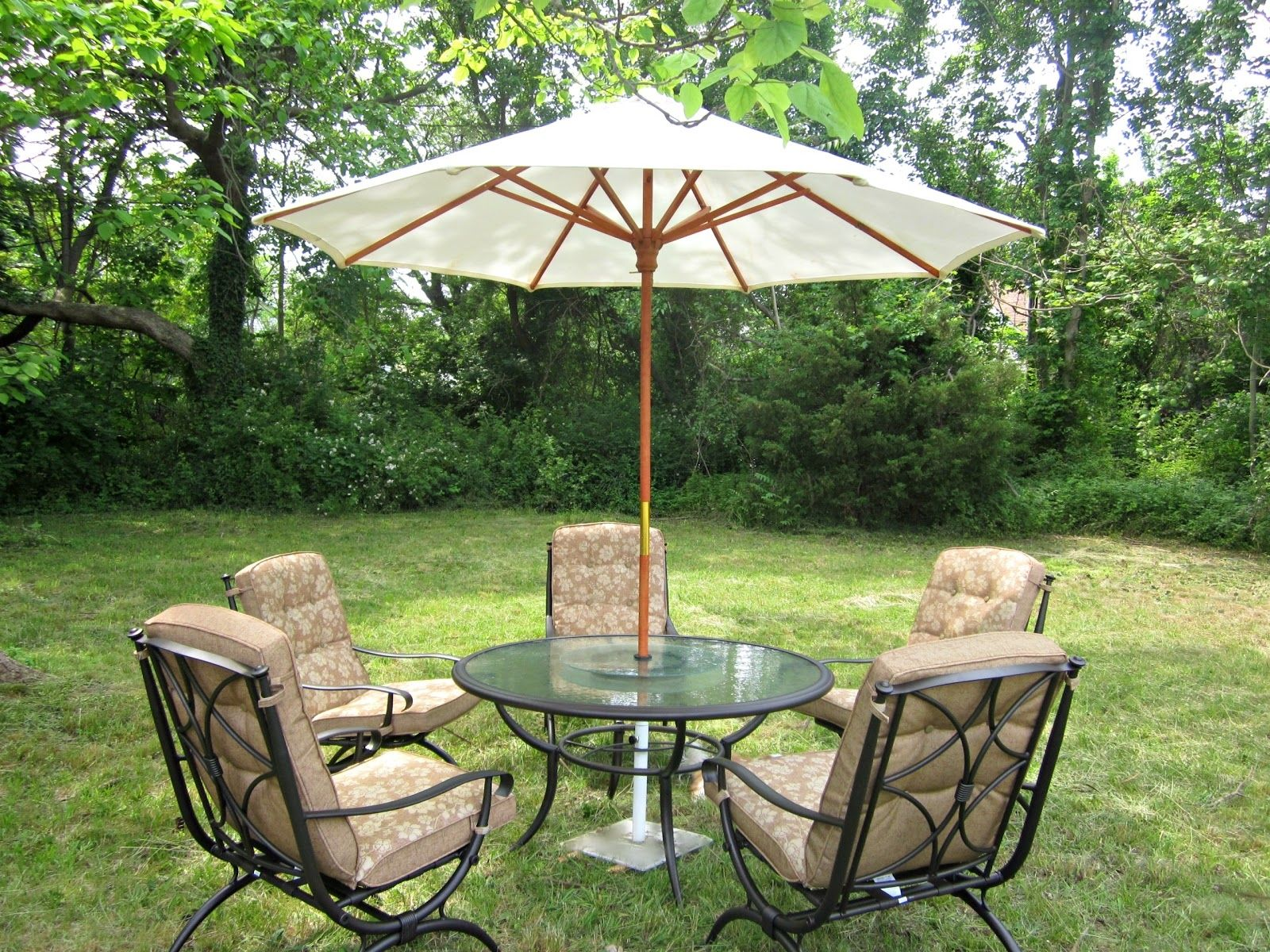 How To Put Patio Furniture On Grass Patio Ideas Patio Furniture