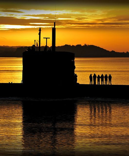 Royal Navy Submarine HMS Triumph Enters HMNB Clyde