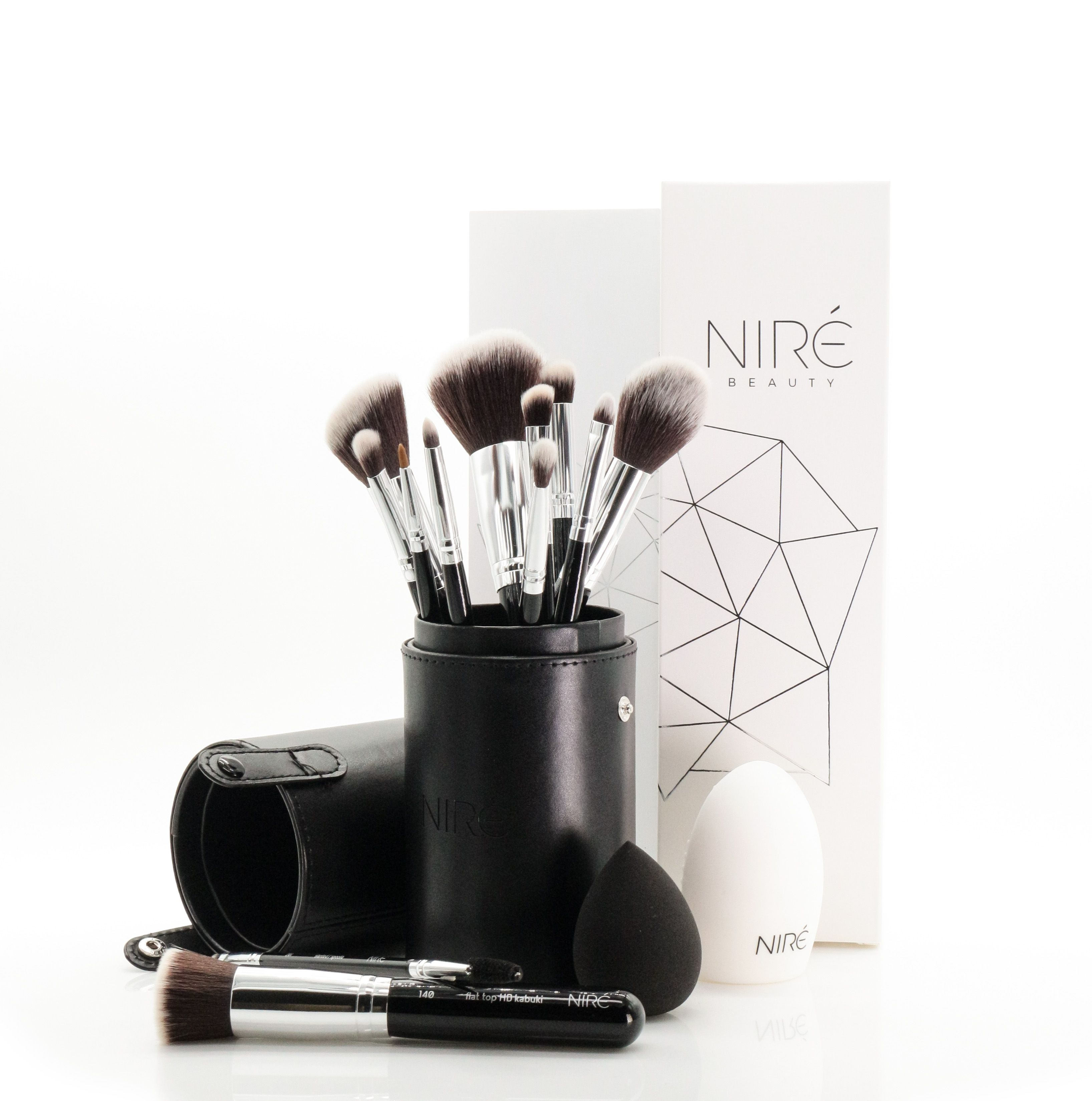 Artistry Set Silver Edition With Images Makeup Brushes