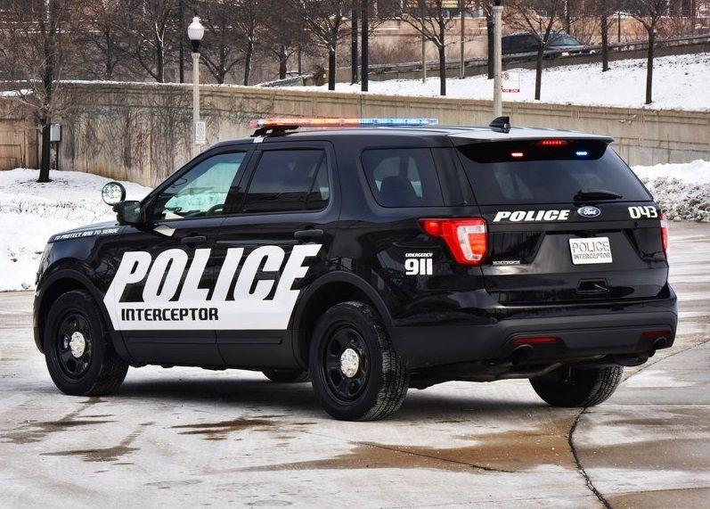 2016 ford police interceptor utility back view ford rh pinterest fr