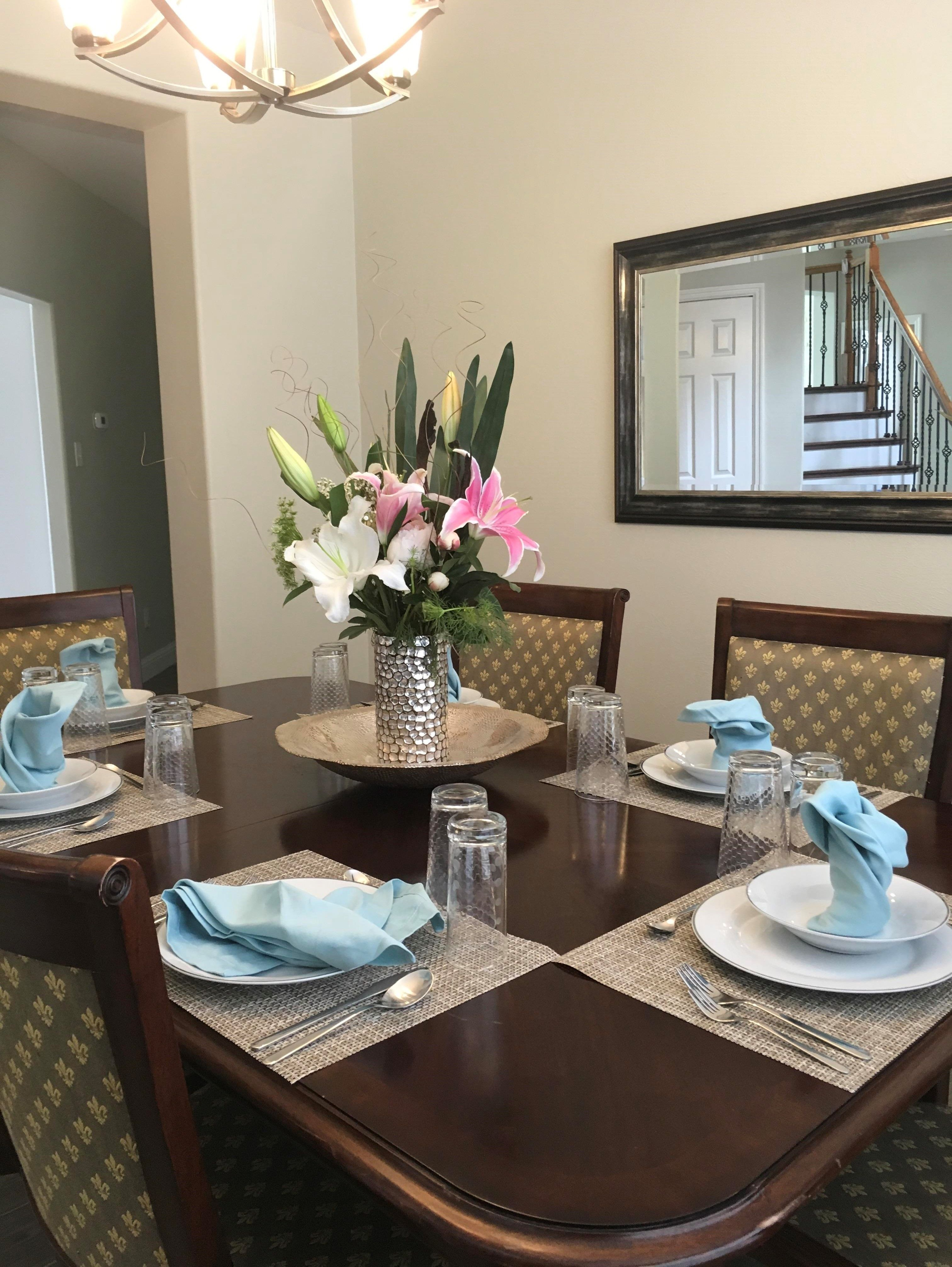 Dining Room From A Staging Project, How To Set A Dining Room Table For Staging