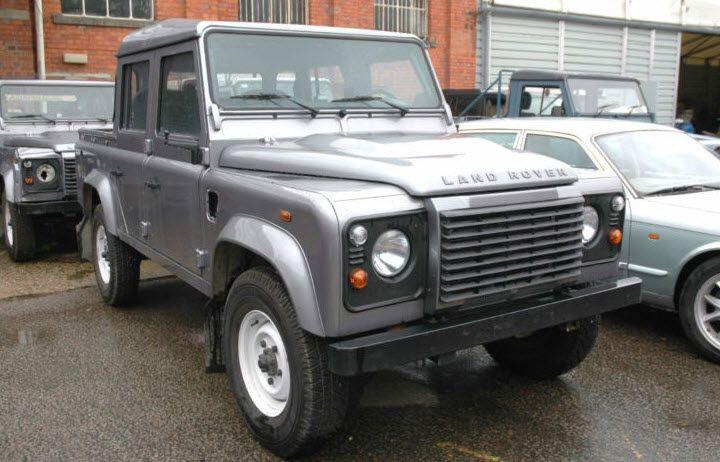 James Bond Skyfall Land Rover Defender 110  A