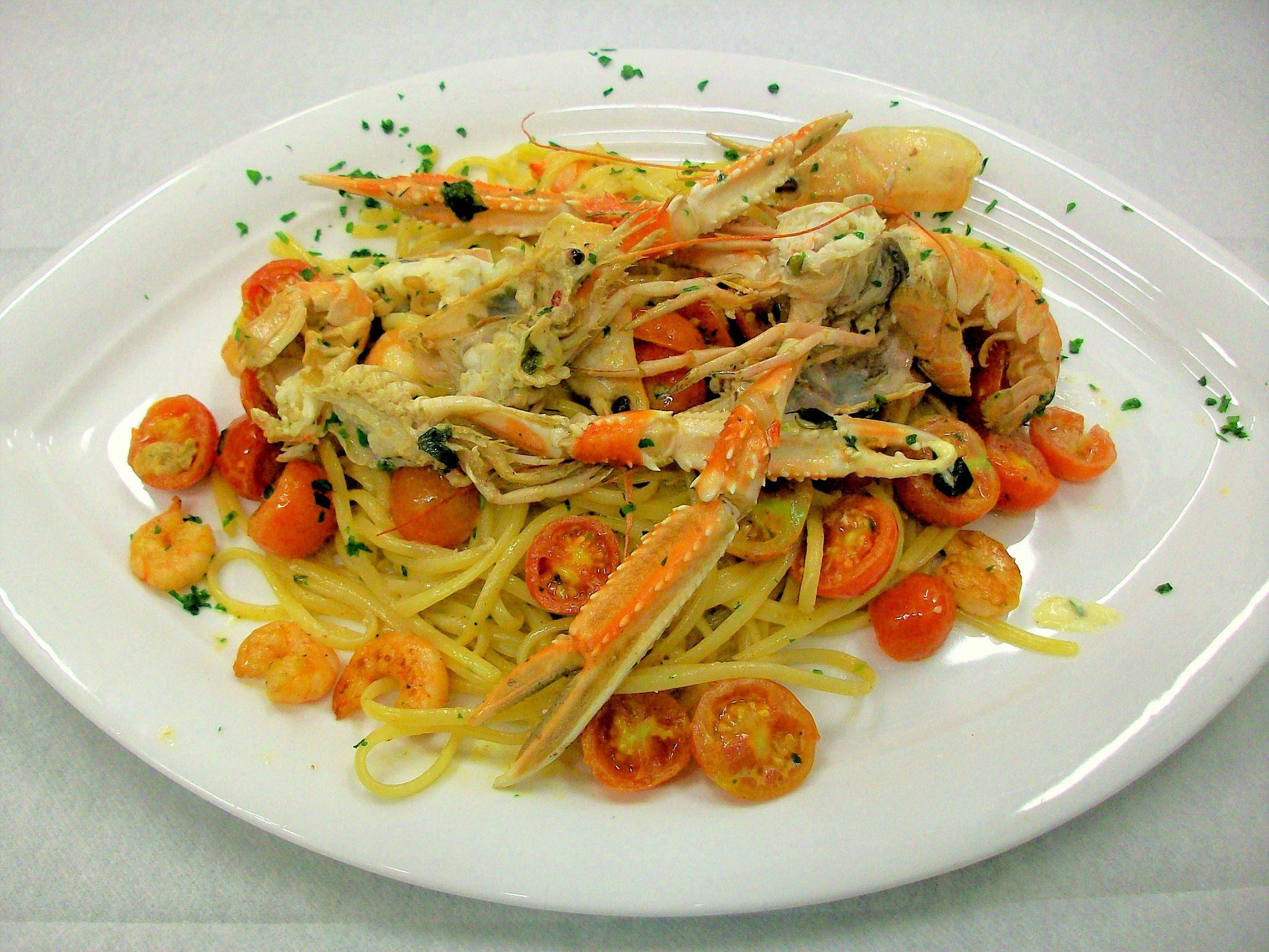 Tagliolini con scampi - Tagliolini with prawns - Steak Restaurant