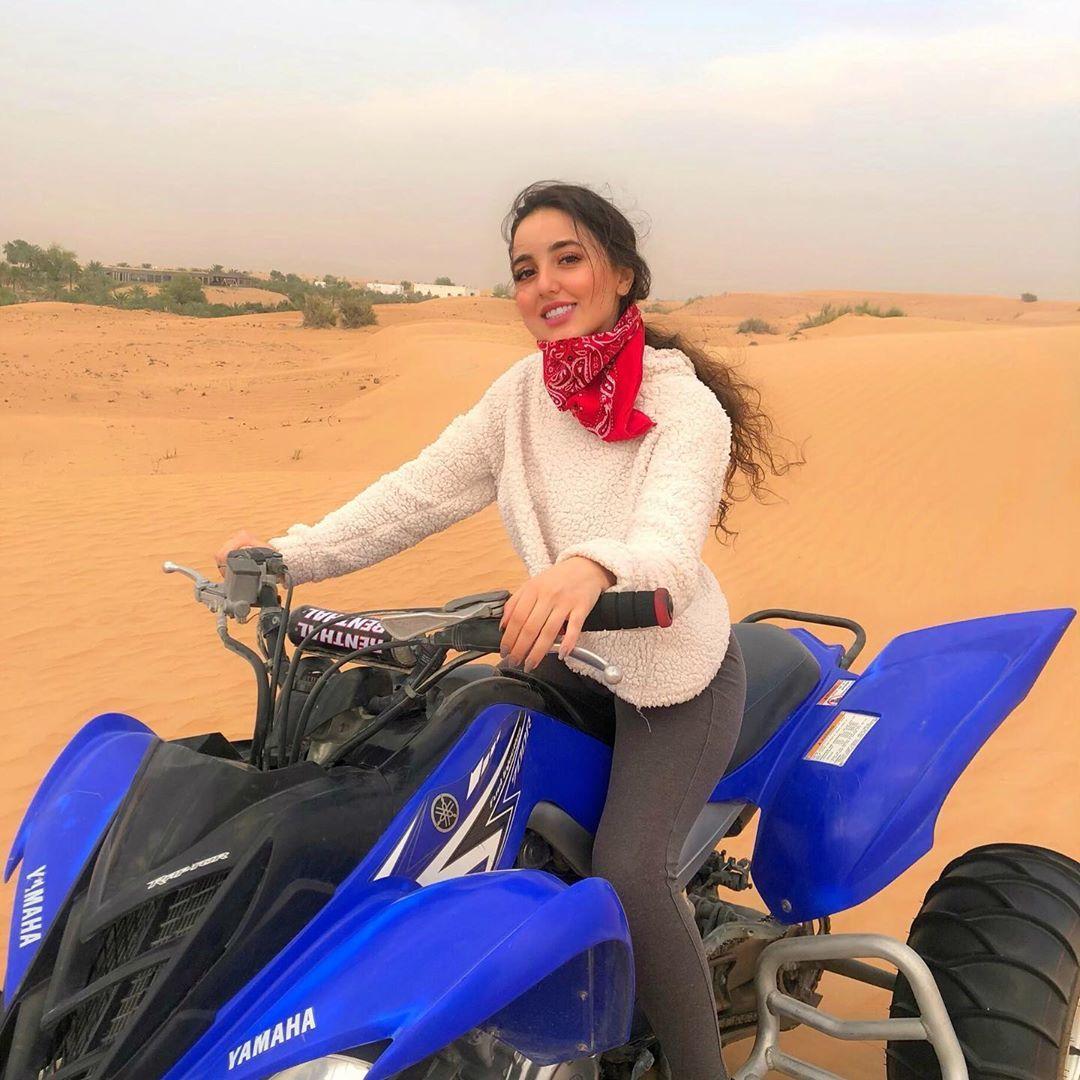 رند دالاتي Rand Dalati On Instagram Desert Is A Must In This Weather وأخيرا صار الجو حلو ومناسب للبر صحراء واحلى شي بالبر Style Fashion Photo