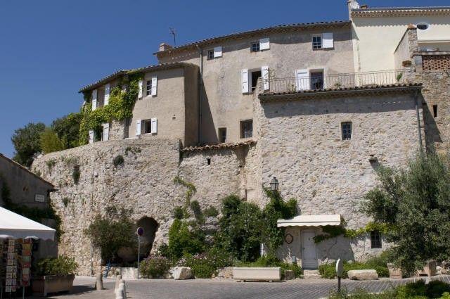 Le Castellet Le castellet, Alpes du sud et Alpes maritimes