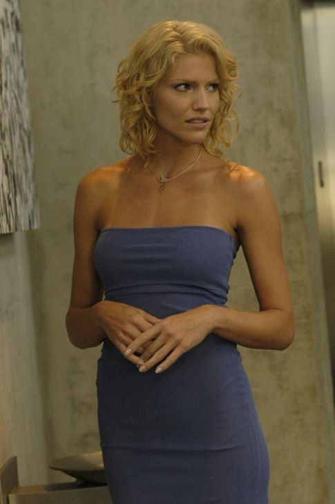 Television Tricia Helfer Autographed Battlestar Galactica Number Six Shelly Godfrey Photo