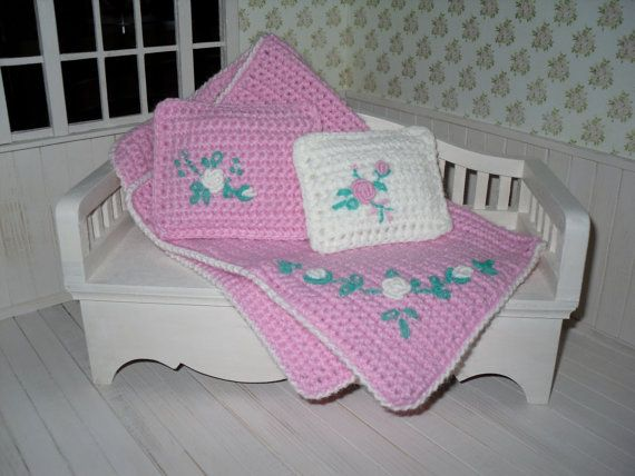 Set for dolls such as Blythe, Pullip, Barbie, Monster High  - pillows and blanket by LittleGiftCove