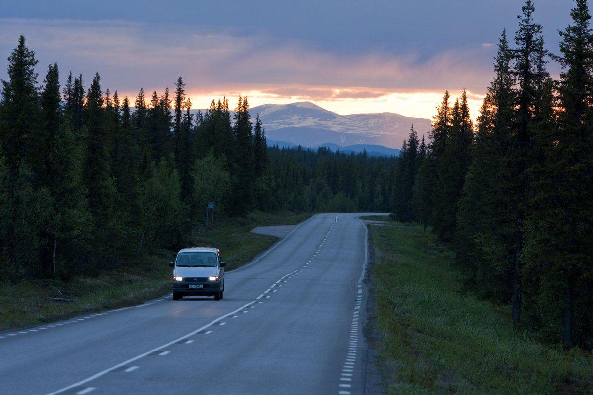 Hohepunkt Dieser Rundreise Durch Mittel Und Nordschweden Ist Nach Der Fahrt Entlang Des Bottnischen Meerbusens Lappland Nordl Rundreise Schweden Reise Reisen