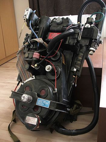 Google Image Result for http://www.technovelgy.com/graphics/content07/backpack-laser-proton-pack.jpg