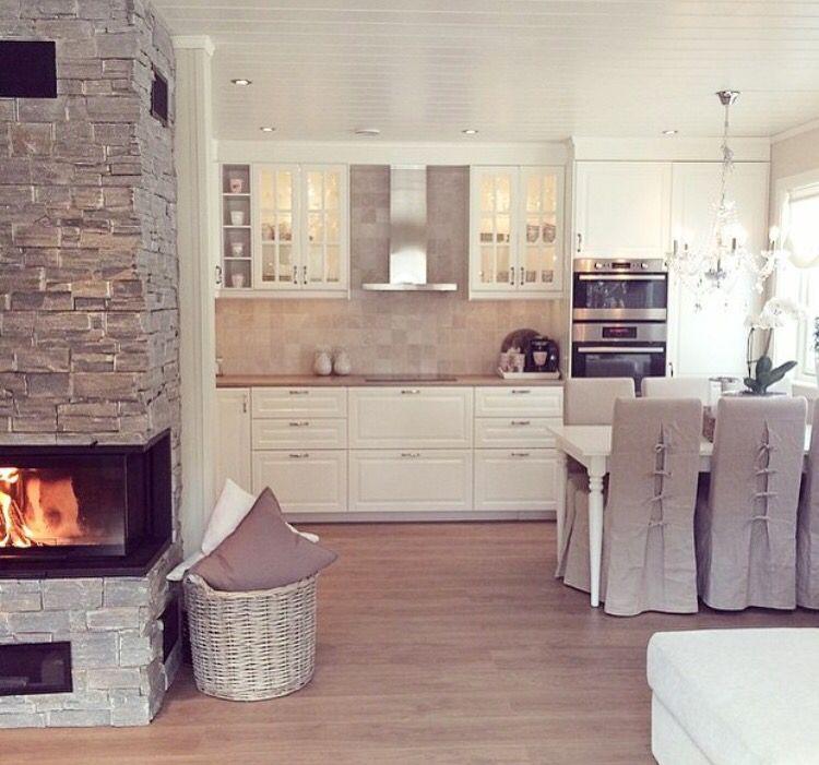 Cucina classica bianca | Decorazione cucina country ...