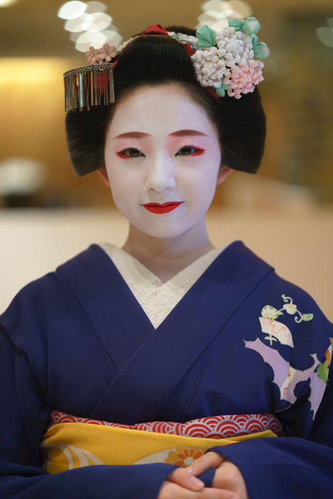 maiko 舞妓 Miyagawacho 宮川町 Toshimomo とし桃 KYOTO JAPAN ...