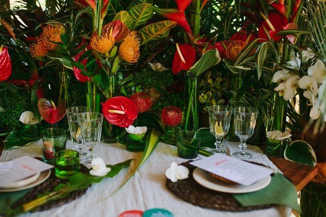 Décoration de table de mariage thème tropical - Photo: Malvina Molnar - La Fiancée du Panda blog Mariage et Lifestyle