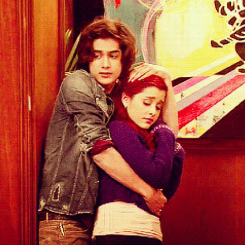 Ariana Grande And Avan Jogia With Images Ariana Grande Fans Ariana Grande Photos Ariana Grande