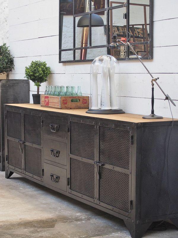 enfilade industrielle 4 portes buffet style industriel style industriel et industriel. Black Bedroom Furniture Sets. Home Design Ideas