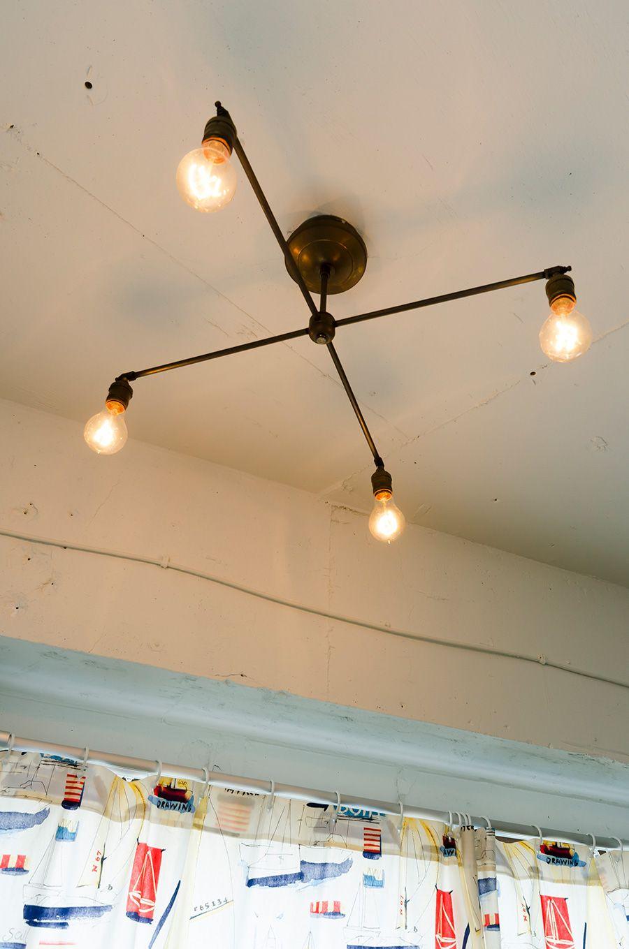 やさしい灯りと素材感古き良き時代を愛おしむヴィンテージ空間