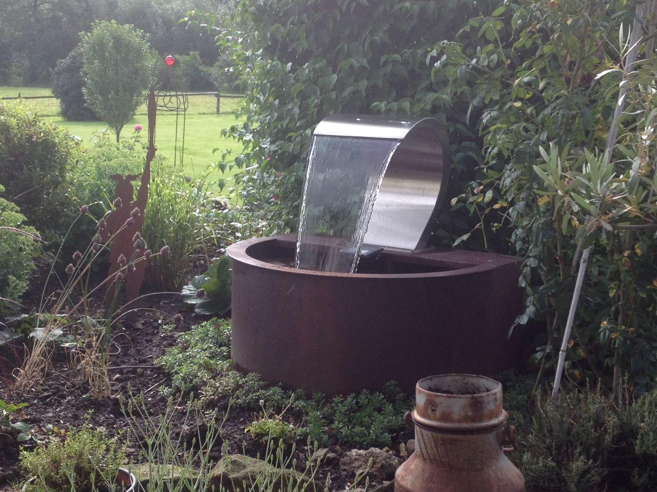 Cortenstahl Innenbereich Ideen: Minimalistische Gartengestaltung