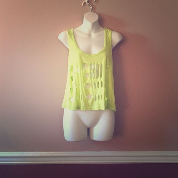 Forever 21 top Fun and flirty. Great for summer!! Forever 21 Tops Muscle Tees
