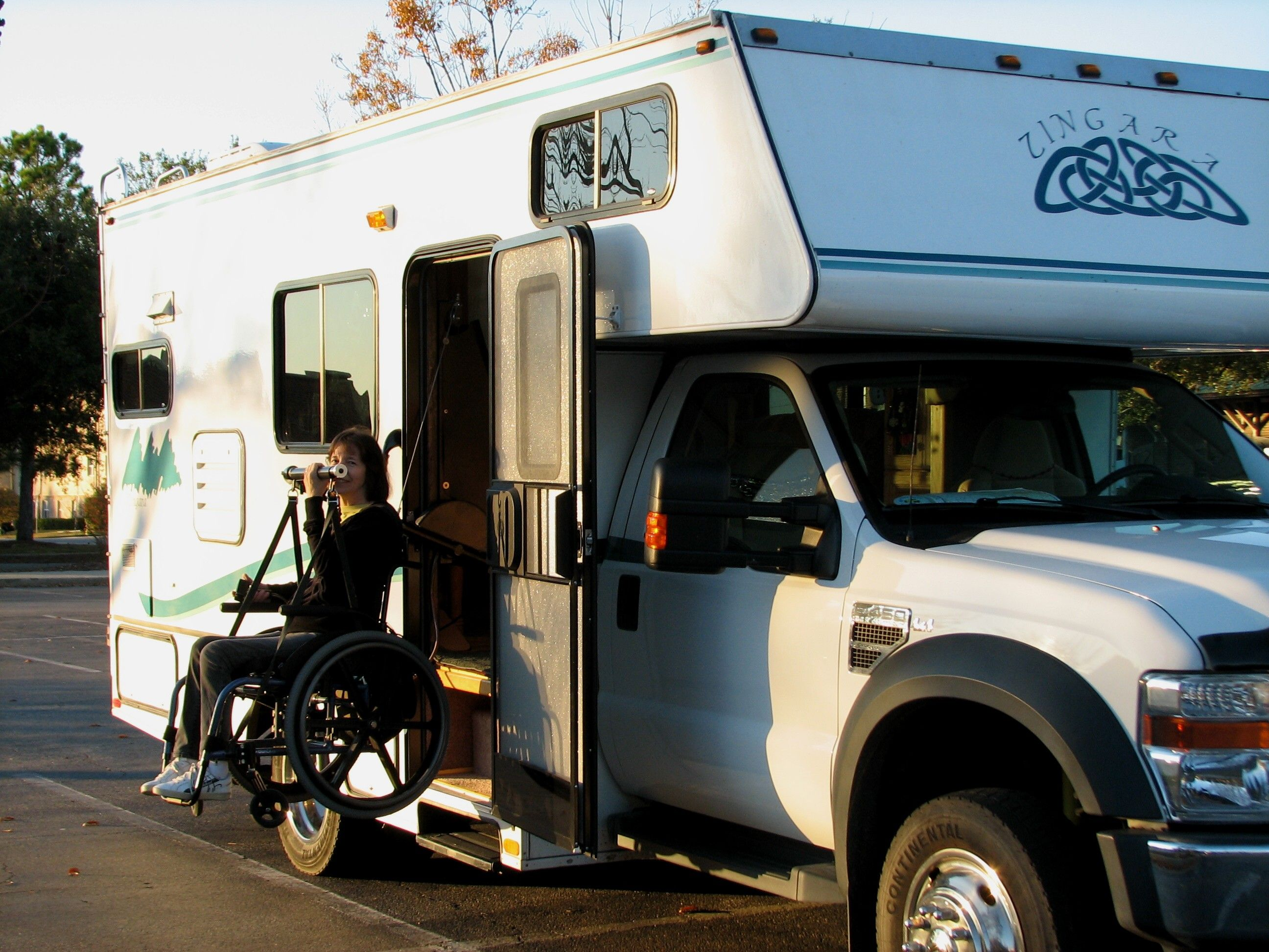 Rv traveling in a wheelchair article if 25 39 rv 39 s with for Wheelchair accessible homes for sale in florida