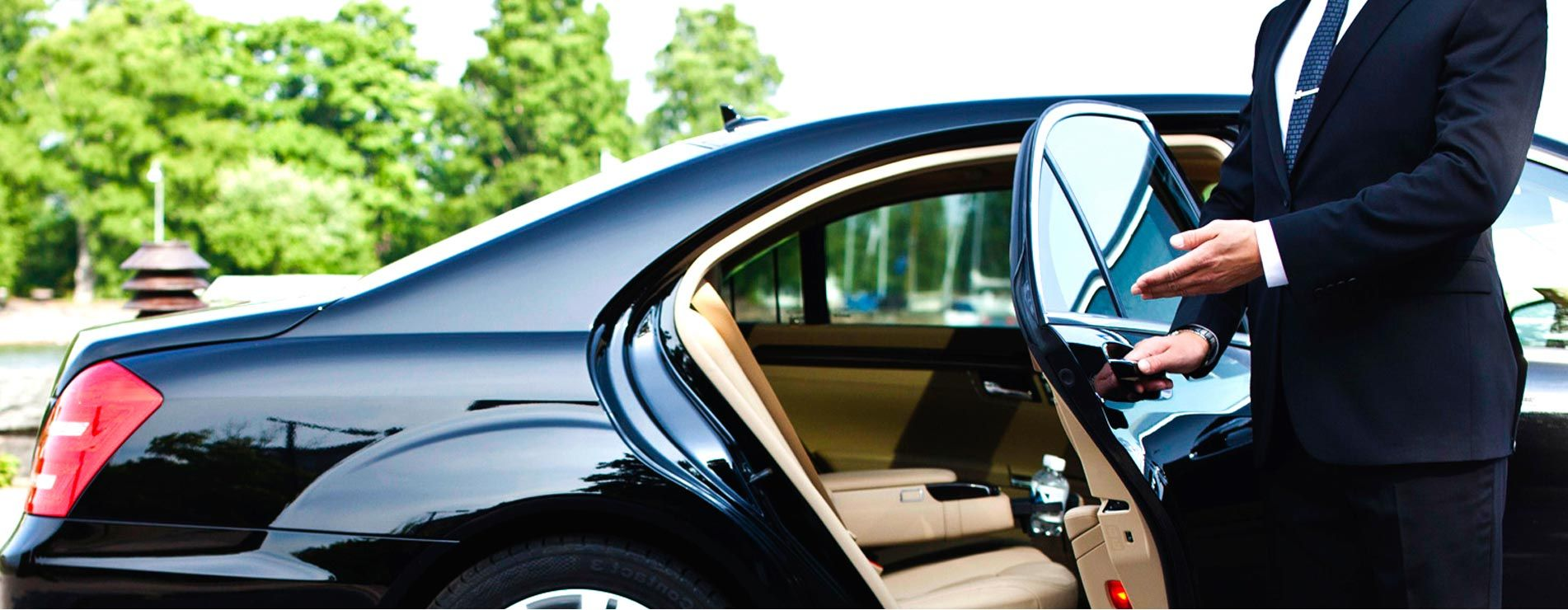 Memphis Wedding Car is a Limo Transportation Agency and